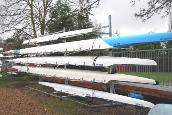 Rack à bateaux d'aviron pour quatre 4x 4- un coté acier galvanisé